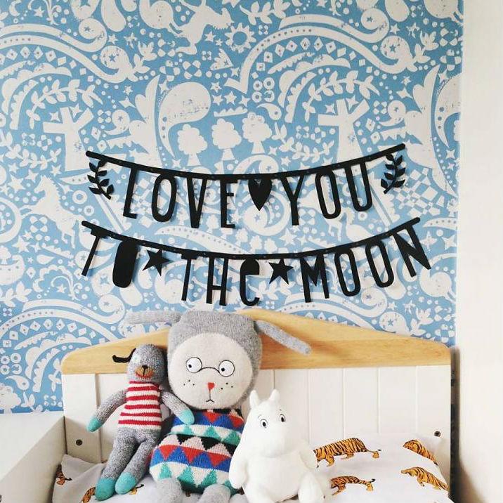 レターバナーで誰でも簡単に壁の飾り付け!ホームパーティーを可愛く盛り上げる必須アイテム。